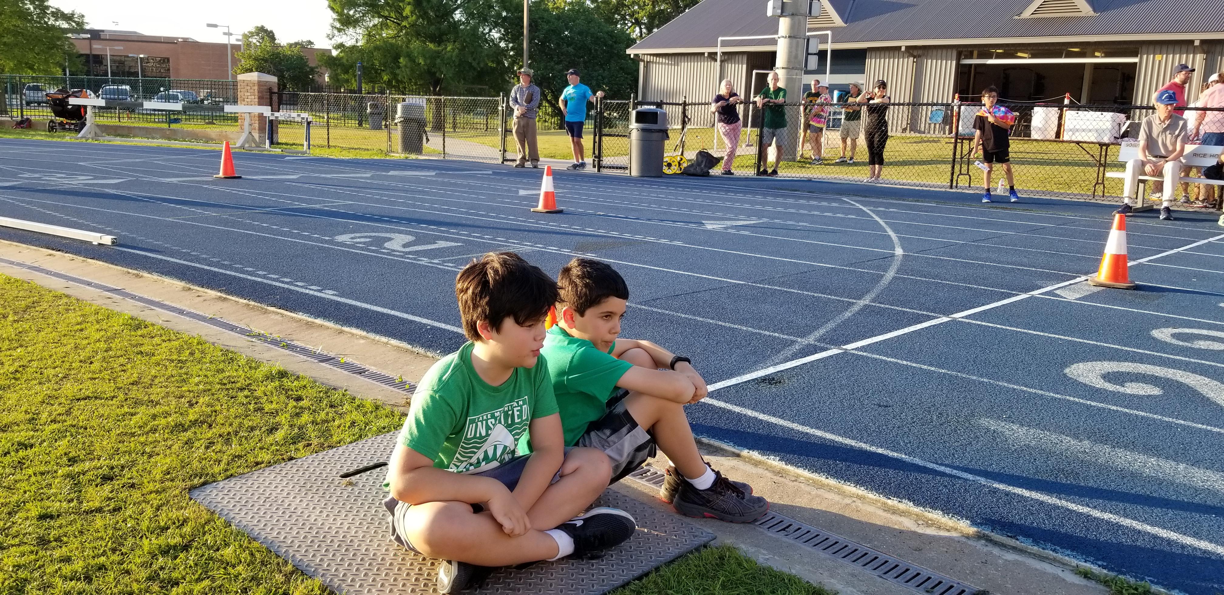 LP Run 2019 Young Runners Contemplating Kids Run